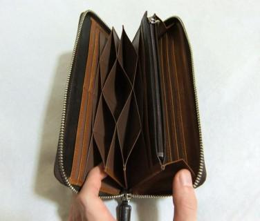独創的なハニーセル長財布の内装