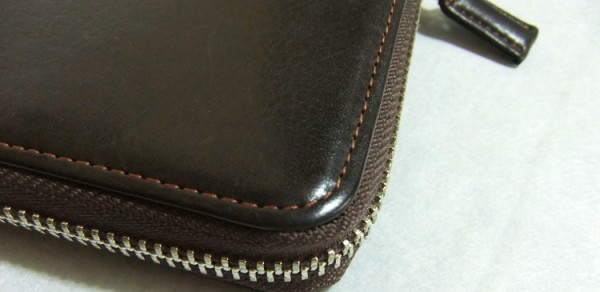 ハニーセル長財布に使われている革