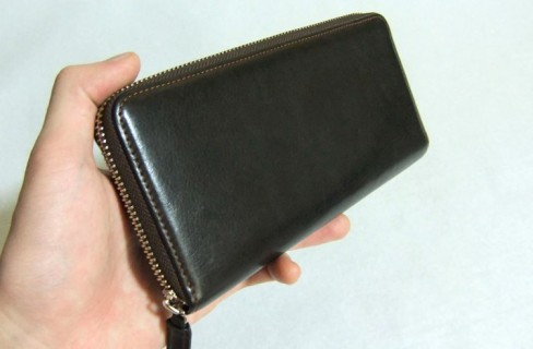 ハニーセル長財布に使われているシルキーキップは普段の手入れが簡単です