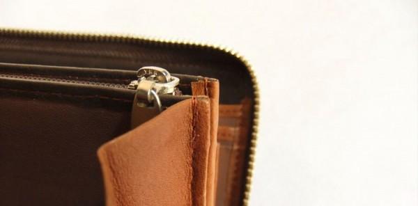 小銭入れの縫製部分