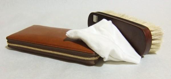 簡単にできる革財布の手入れ方法
