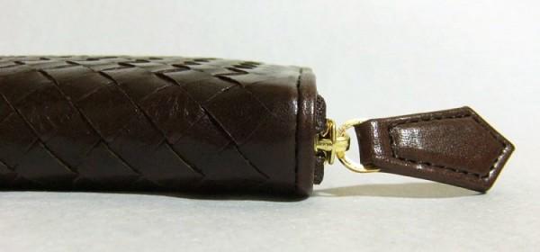 マットーネ・オーバーザウォレットに使われている革