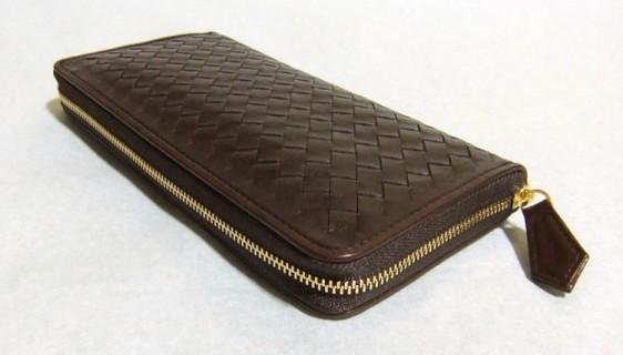 マットーネ オーバーザウォレットおすすめの革財布です