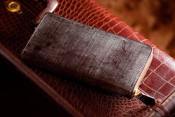 英国産最高級ブライドルレザーを使ったラウンドファスナー長財布