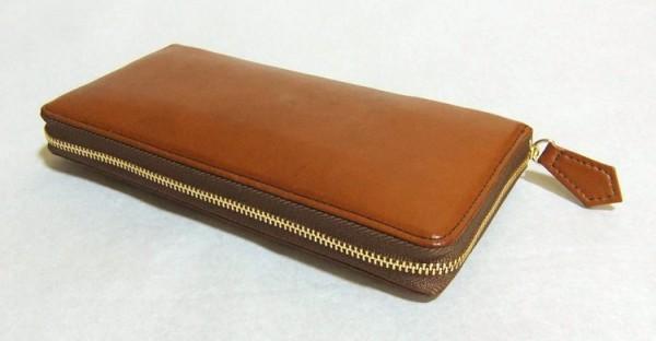 上質ながら驚くほど安い本革ラウンドファスナー長財布