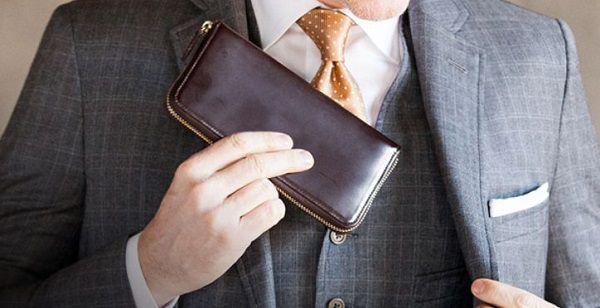 日本製のコードバンを使ったラウンドファスナー長財布おすすめの逸品です