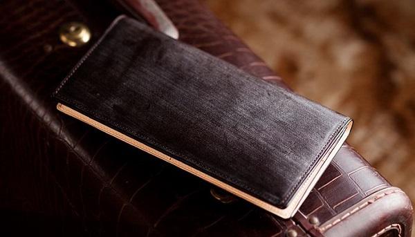 英国産最高級ブライドルレザー仕立ての薄マチメンズ長財布