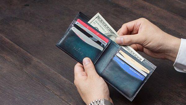 小銭入れを省いた札入れ専用二つ折り財布