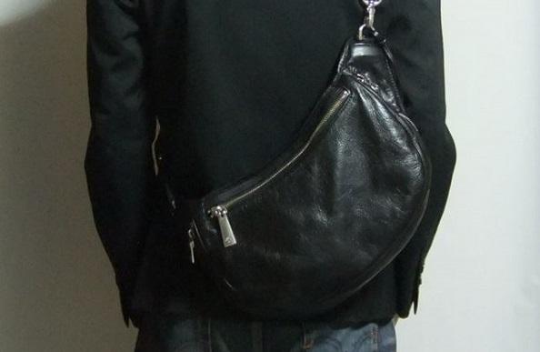 アニアリ・ウォレットショルダーバッグはおすすめの上質なボディバッグです