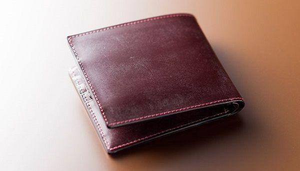 財布全面ブライドルレザー仕立てのメンズ二つ折り財布