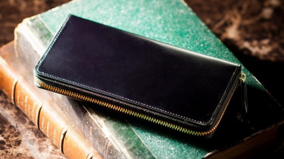 財布カラーブラックのコードバン