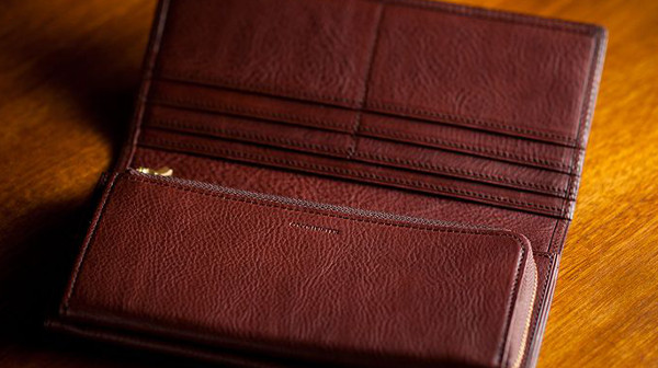 人気NO.3の収納力が極めて高いミネルバボックス長財布