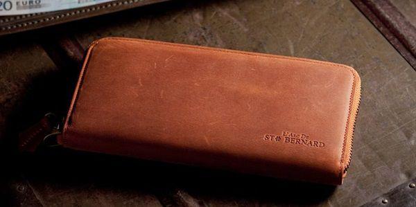革の良い香り・滑らかな手触りのペア財布