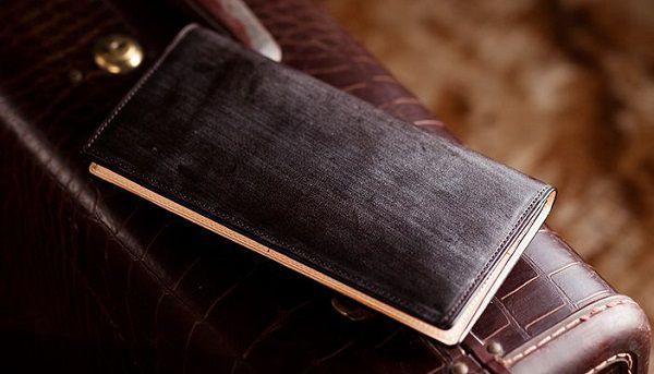 英国産最高級ブライドルレザーを使った薄型メンズ長財布